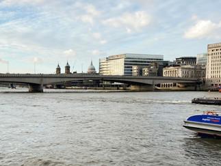 London Bridge ahead