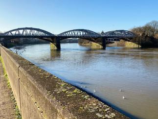 Barnes Bridge coming up