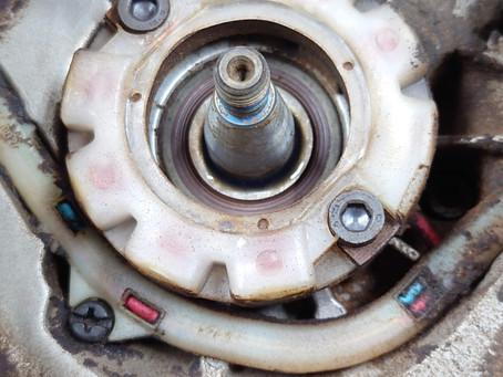 ハスクバーナ 550XP クランクシャフト摩耗修理