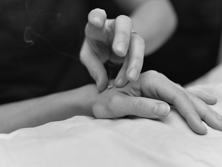 Feeling Chilly? Warm Up With Acupuncture