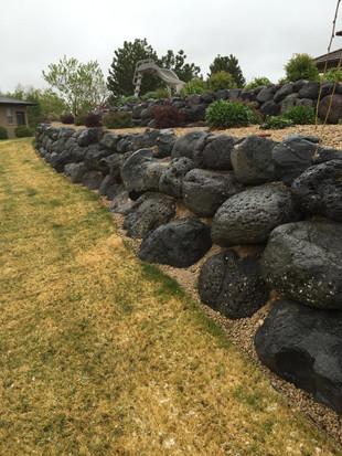 Boulder-Stone-Retainer-Wall.jpg