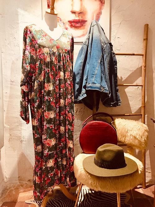 robe cactus & flowers