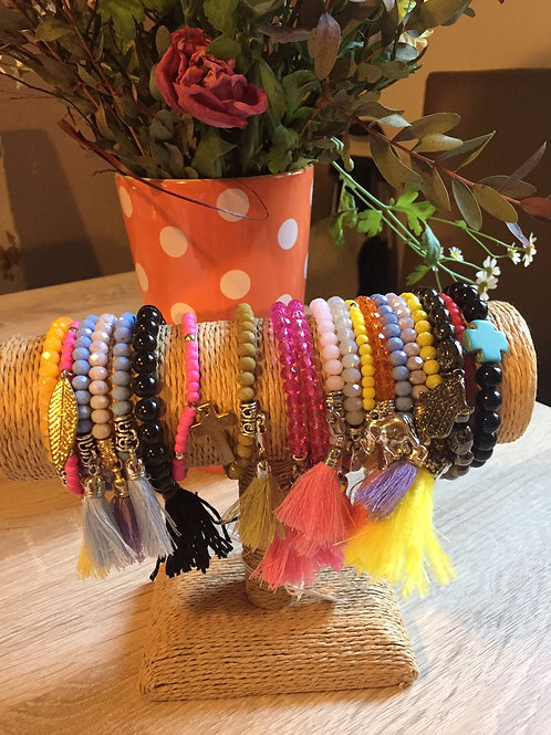 bracelets élastiques perles et pompon