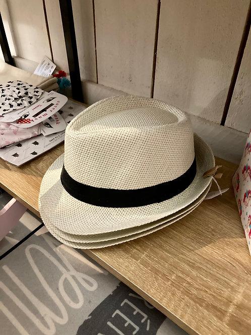chapeau en rafia enfant