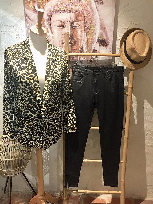 pantalon noir huilé
