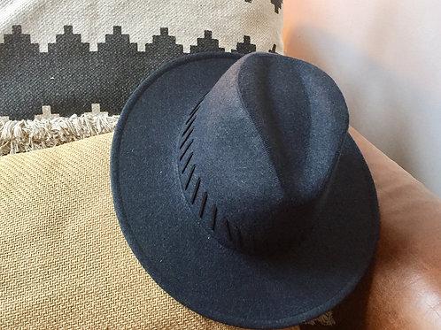 chapeau en feutrine bleu