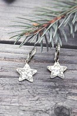 boucles étoile argentées martelées acier inoxydable