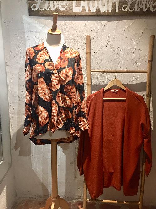 blouse noire feuilles marron