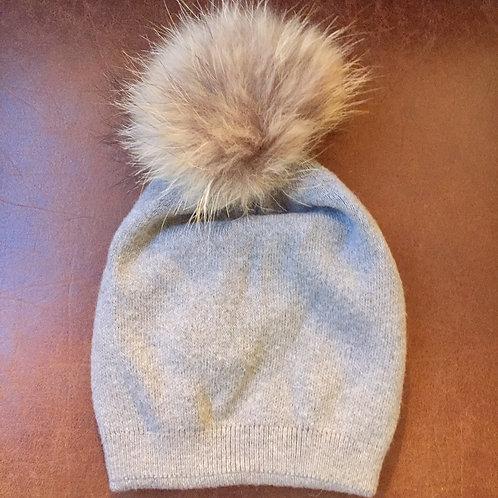 bonnet gris pompon