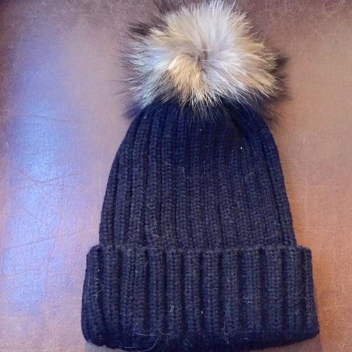 bonnet noir pompon