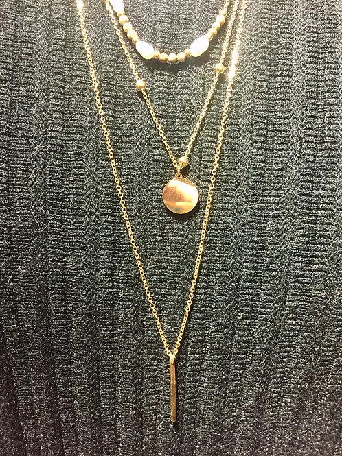 collier triple doré et perle nacrées en acier inoxydable