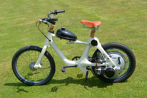 Classic & Moped Hire Contact | Classic Car Vintage Vehicle