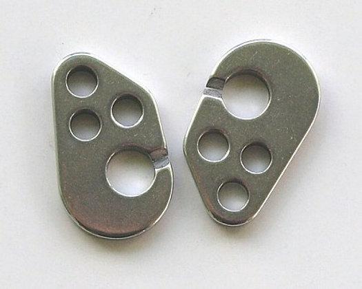 Three-hole hooks