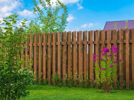 3 Signs You Need to Replace Your Wooden Fence Immediately