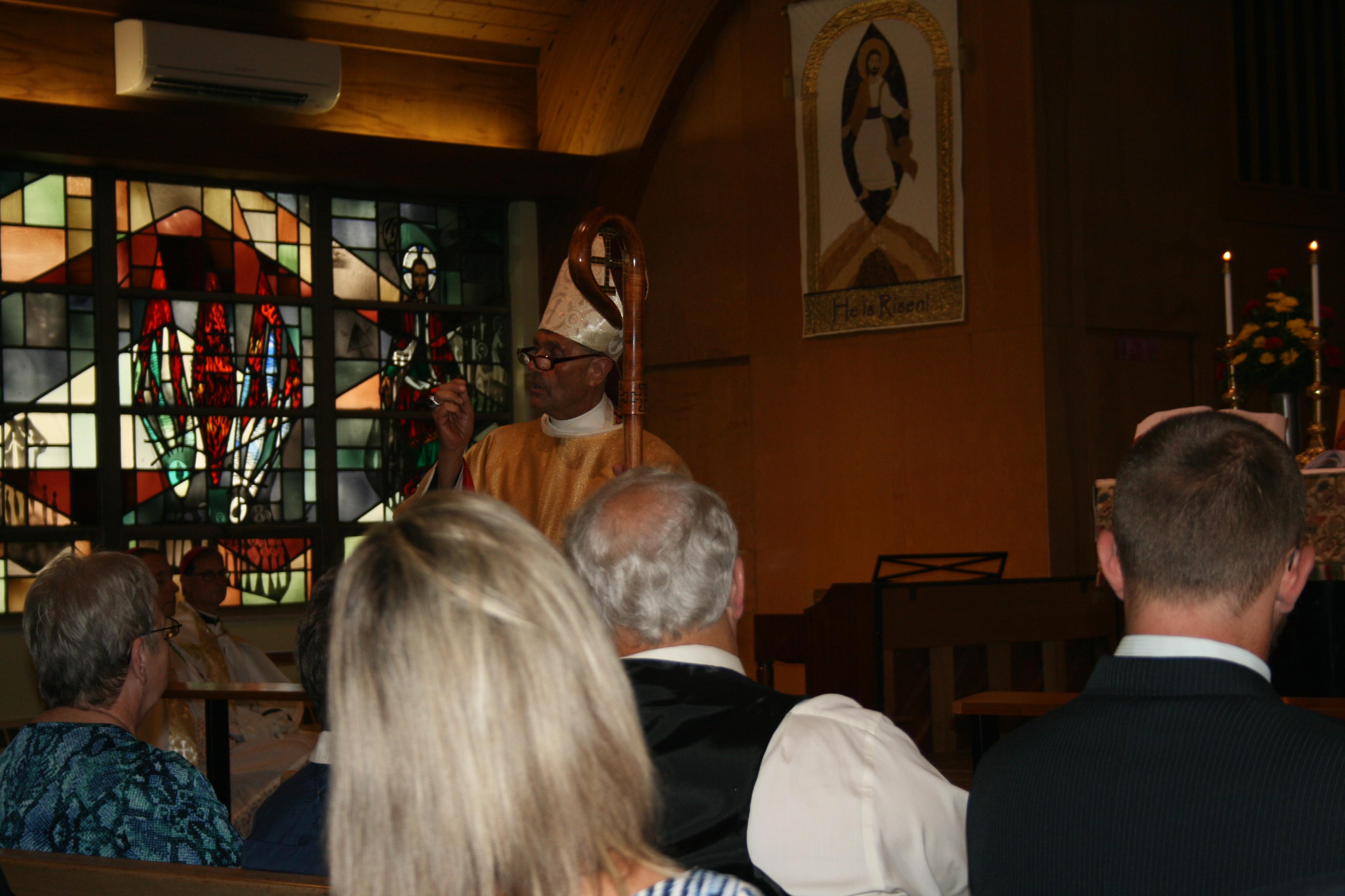 Metropolitan Victor preaching