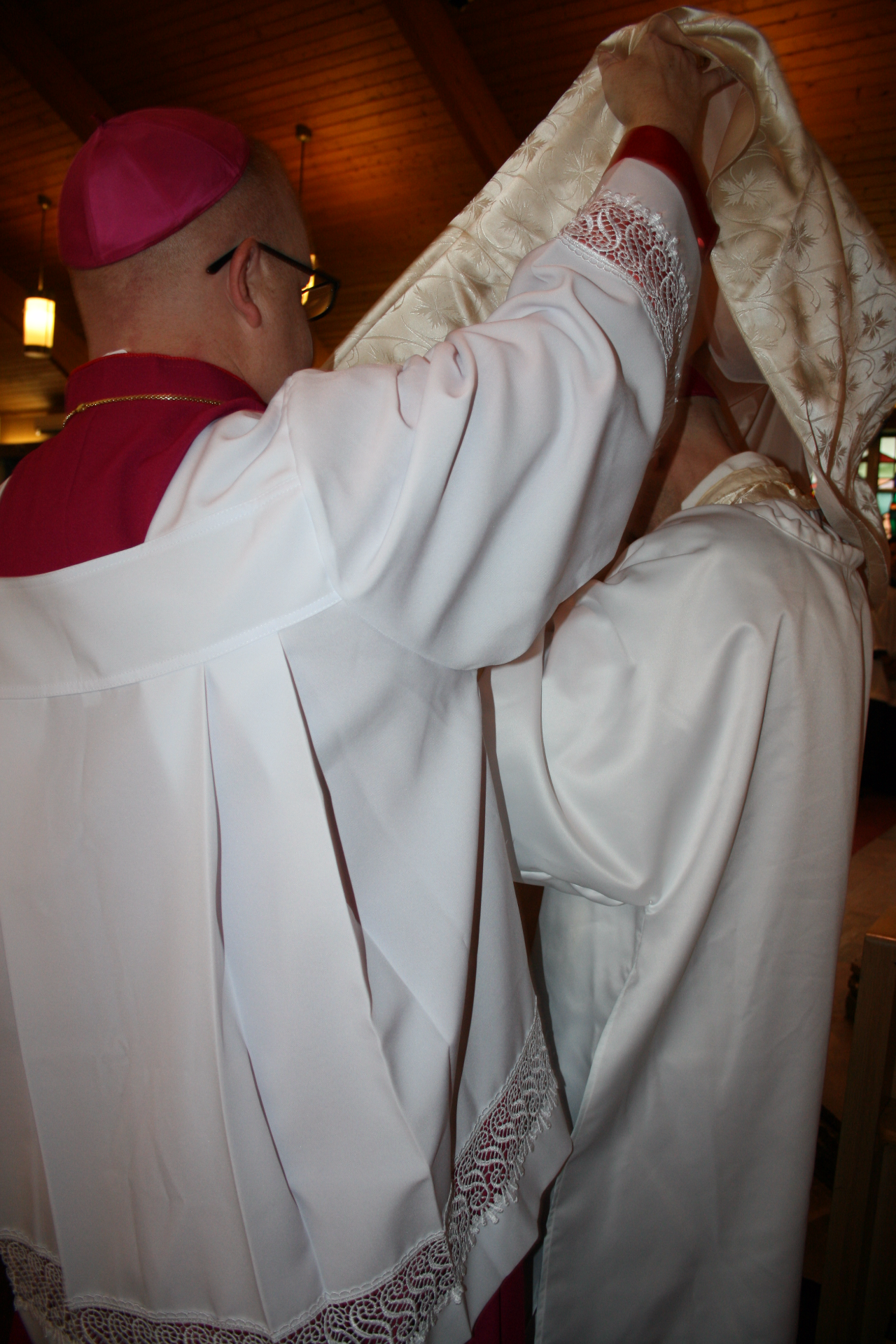 Vesting the Bishop-elect