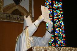 Displaying the Apostolic Mandate