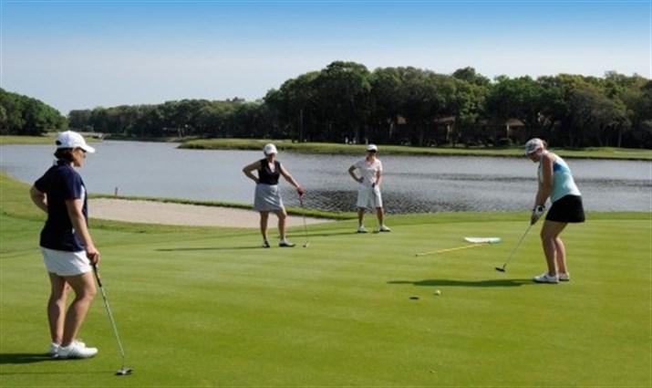 Lady_Golfers_1.jpgx