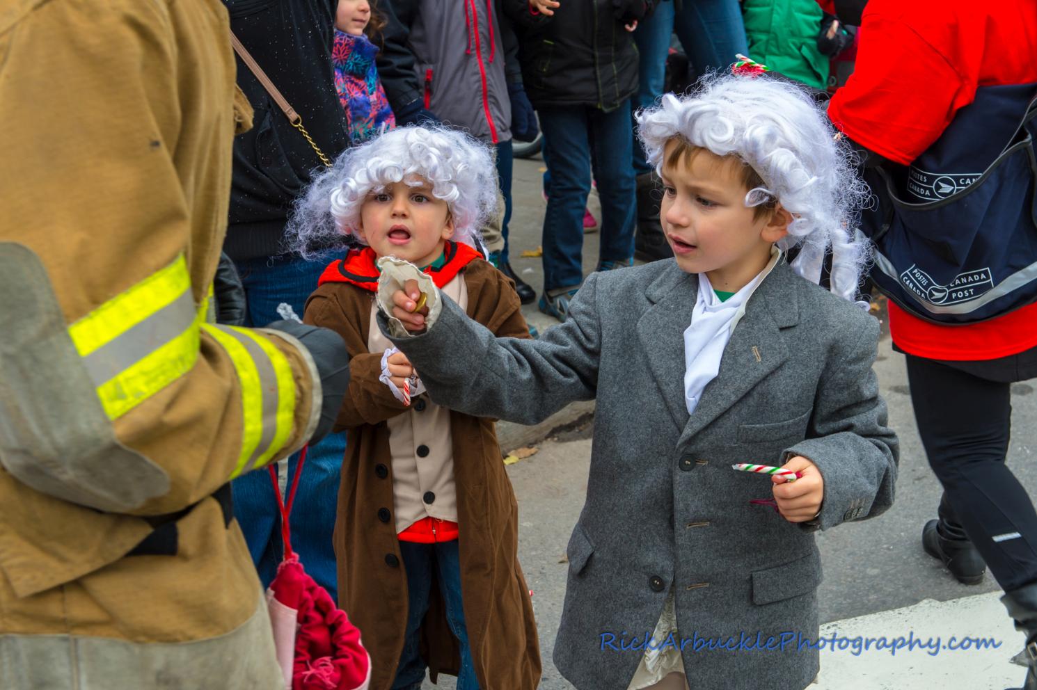 Help Santa Toy Parade 2016 11 19  101