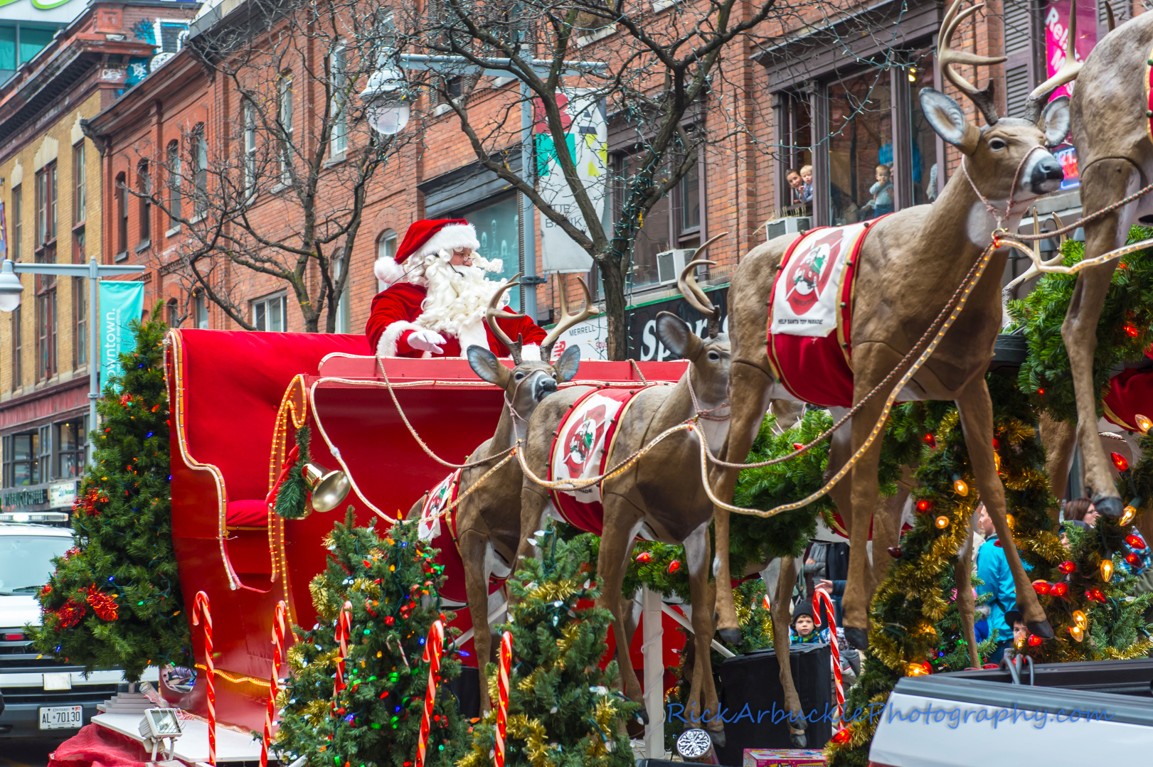 Help Santa Toy Parade 2016 11 19  080