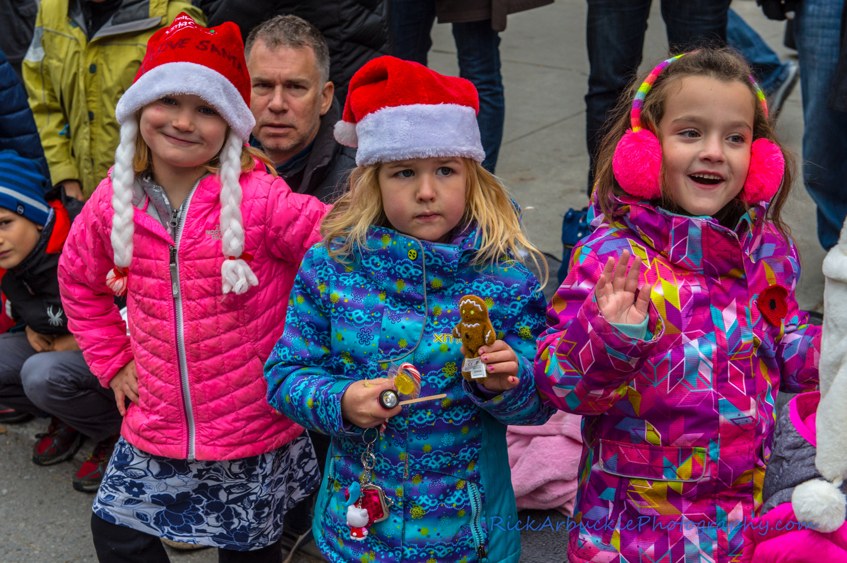 Help Santa Toy Parade 2016 11 19  034
