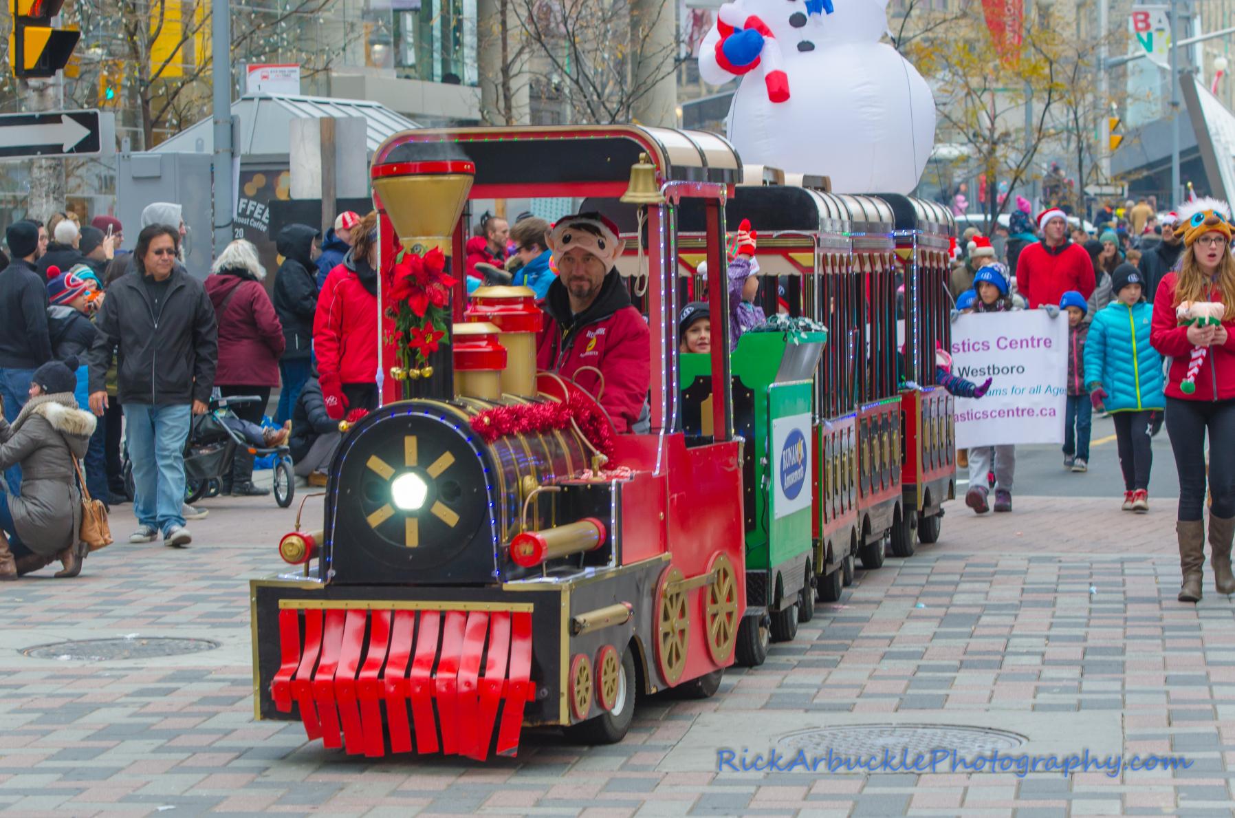 Help Santa Toy Parade 2016 11 19  115