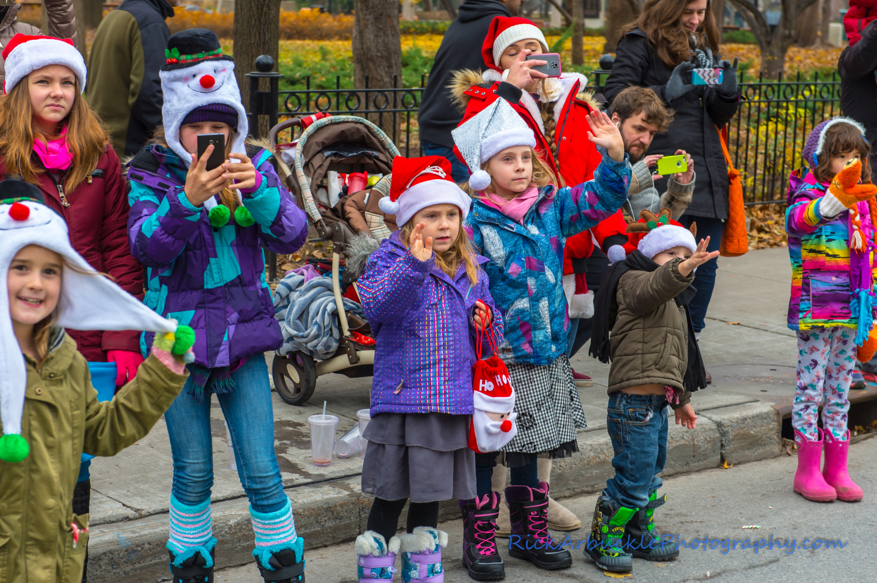 Help Santa Toy Parade 2016 11 19  104