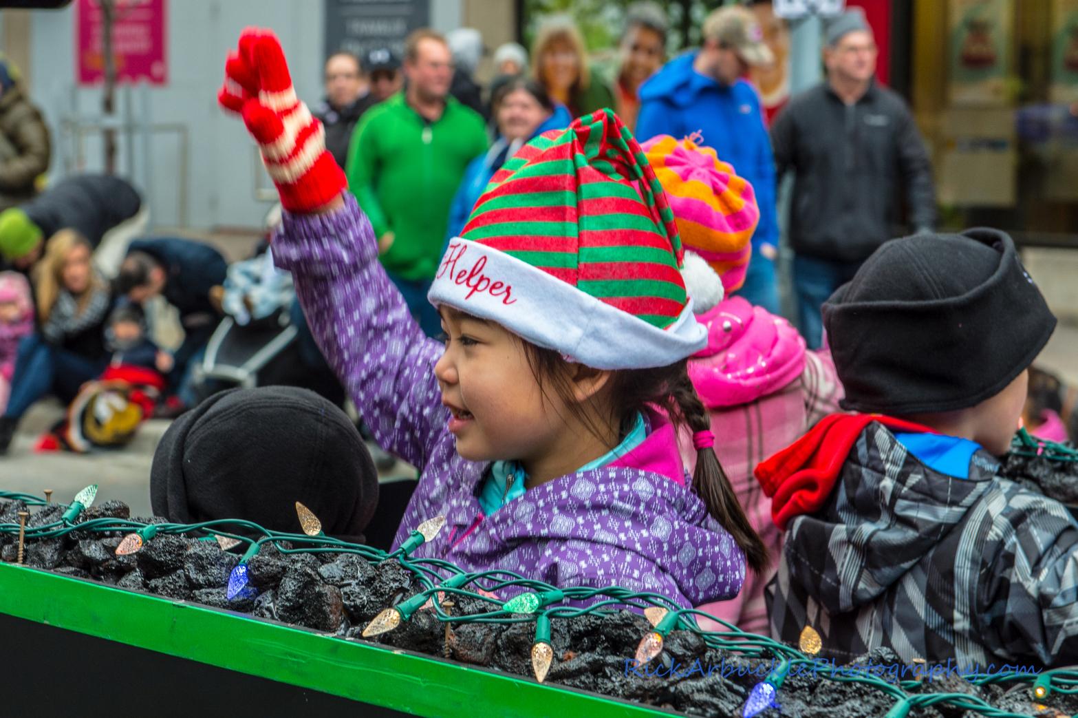 Help Santa Toy Parade 2016 11 19  061