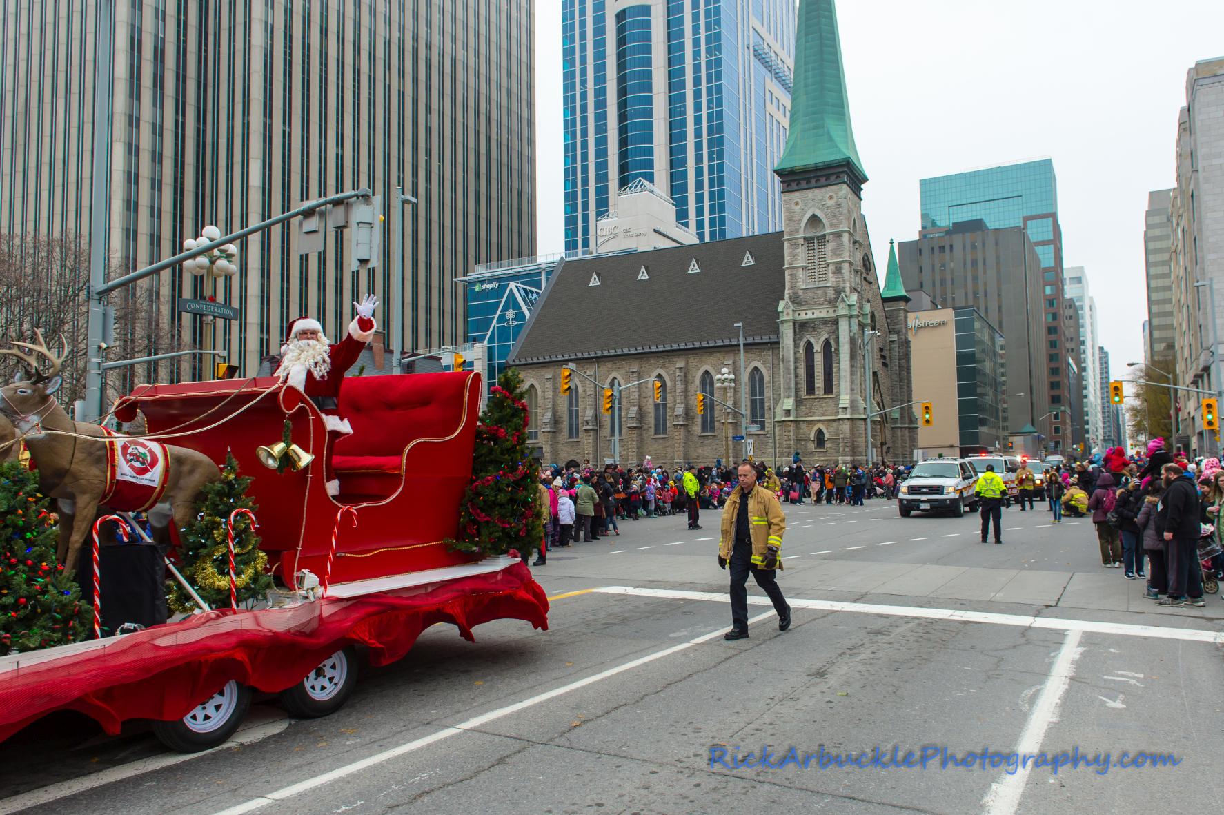 Help Santa Toy Parade 2016 11 19  102