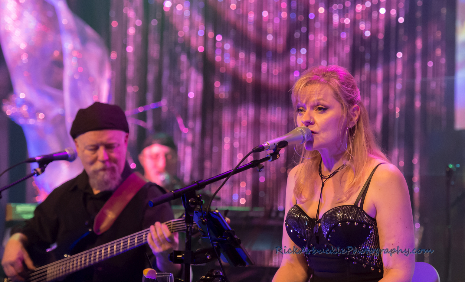 Leslie Rohonczy Band - Greenfield's 2016 12 09  18
