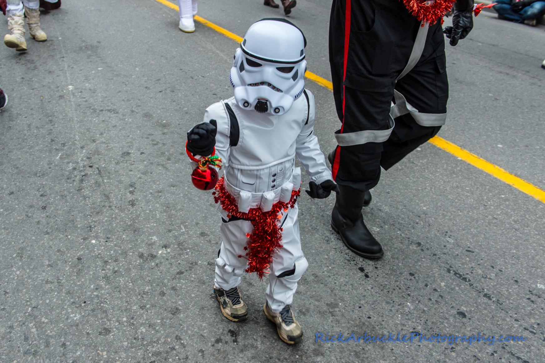 Help Santa Toy Parade 2016 11 19  013