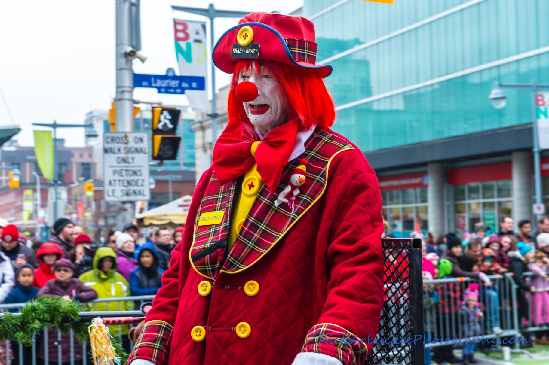 Help Santa Toy Parade 2016 11 19  074