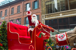 Help Santa Toy Parade 2016 11 19  081