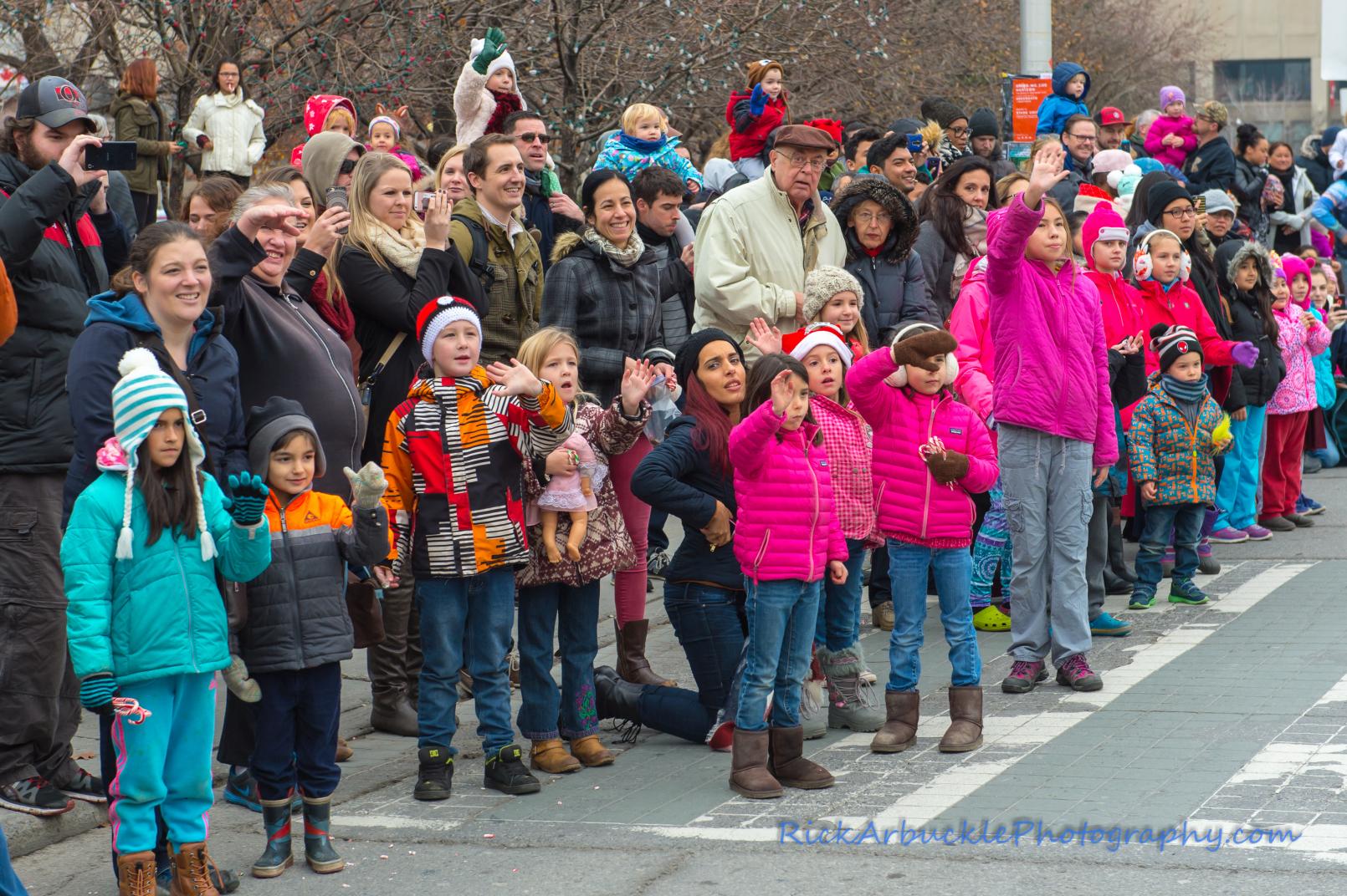 Help Santa Toy Parade 2016 11 19  106