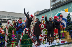 Help Santa Toy Parade 2016 11 19  006