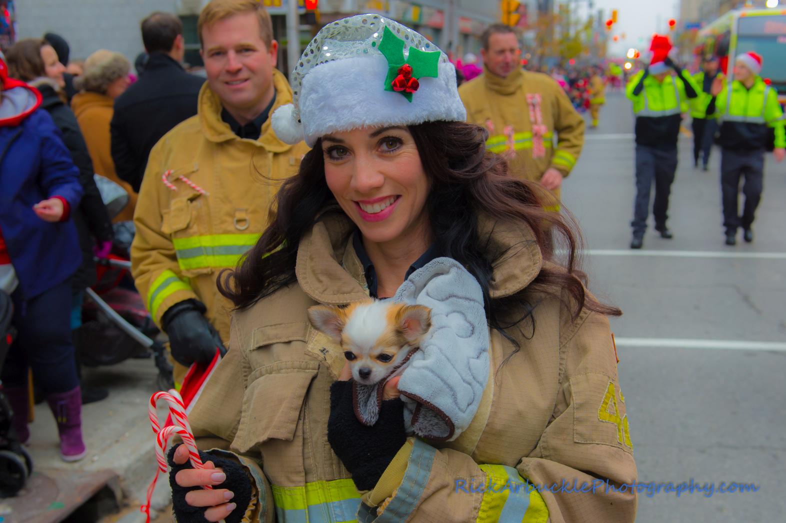 Help Santa Toy Parade 2016 11 19  053