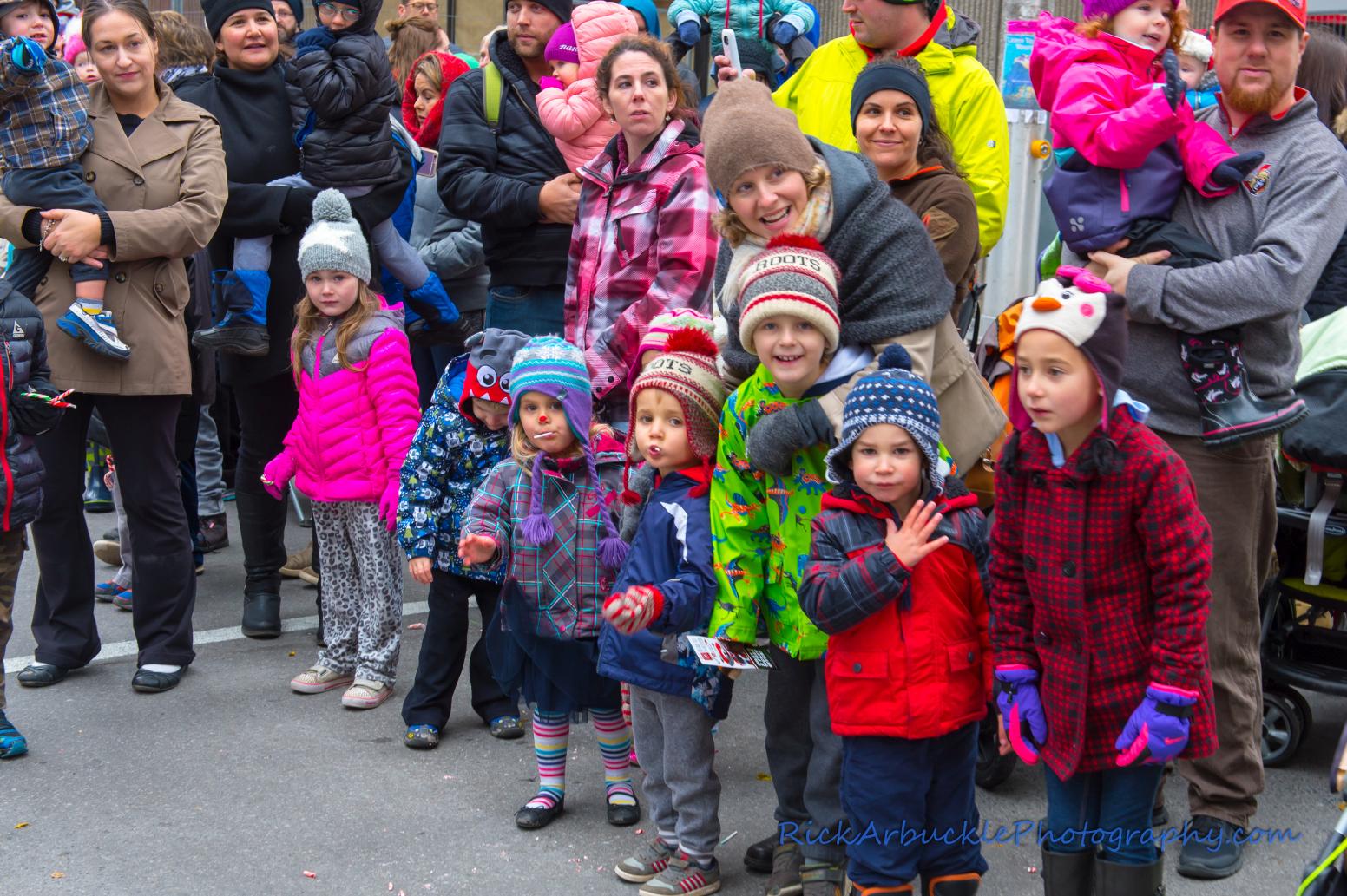Help Santa Toy Parade 2016 11 19  095