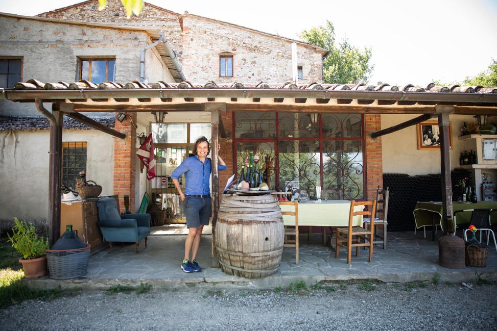 Francesco Bartolmei, owner of Ravagni olive oil (since 1421).