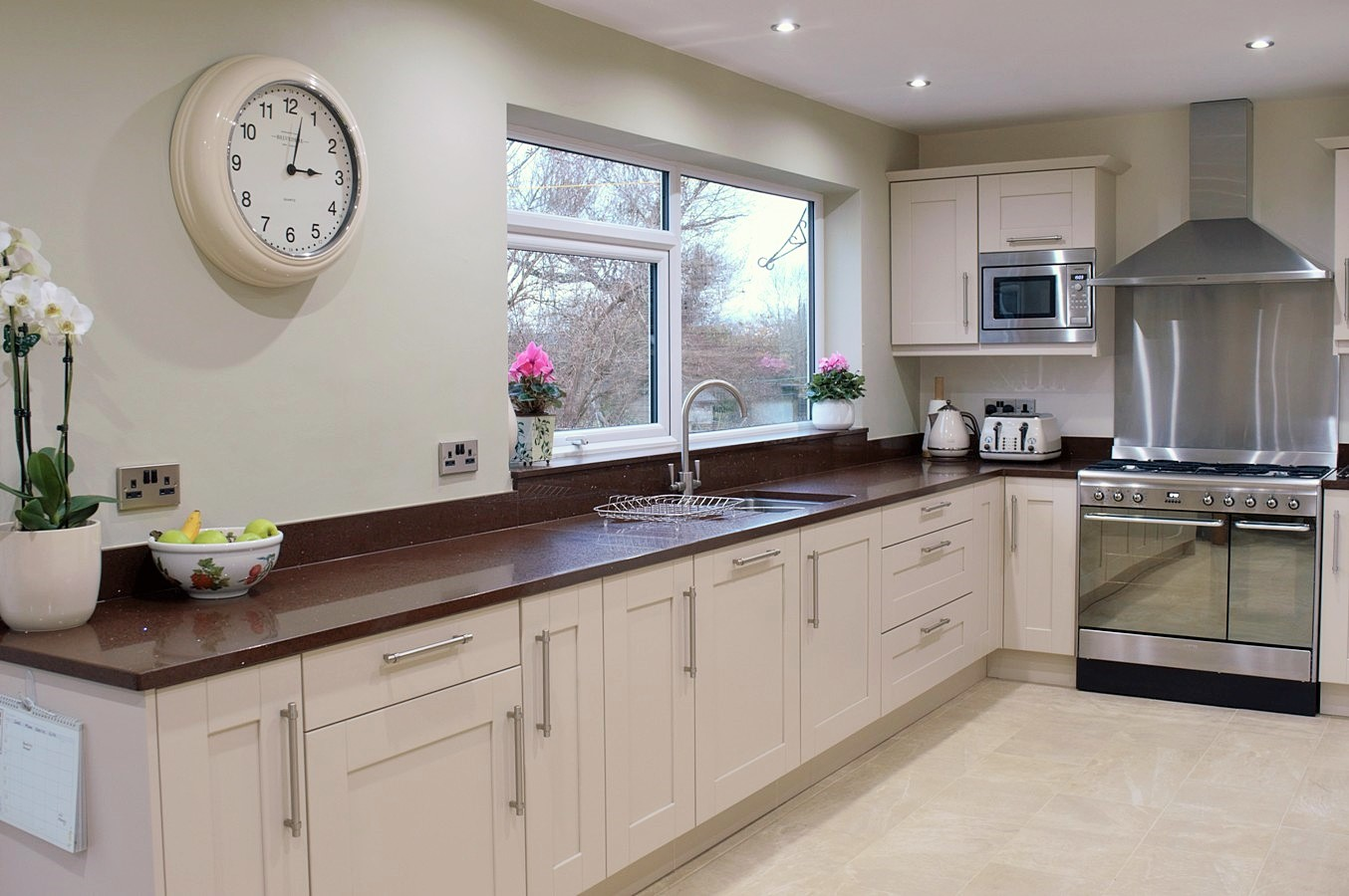 Smooth Painted Shaker Kitchen
