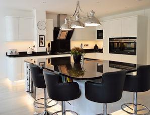 White Gloss Handless Kitchen