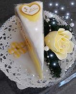 Frisches Tortenstück Zitrone