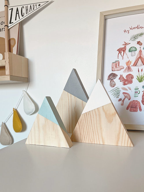 WOODEN MOUNTAINS
