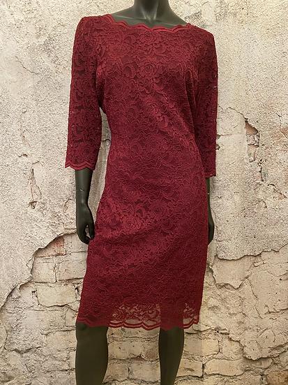 Le Chateau Burgundy Stretch Lace Dress NEW 🇨🇦