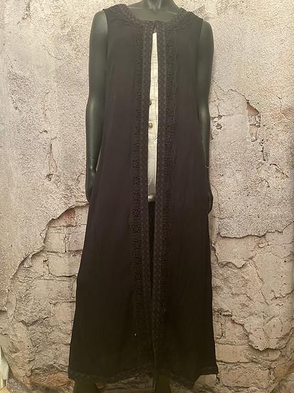 Long Sleeveless Embroidered Shawl
