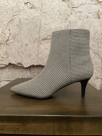 Le Chateau Houndstooth Pointy Toe Boots NEW