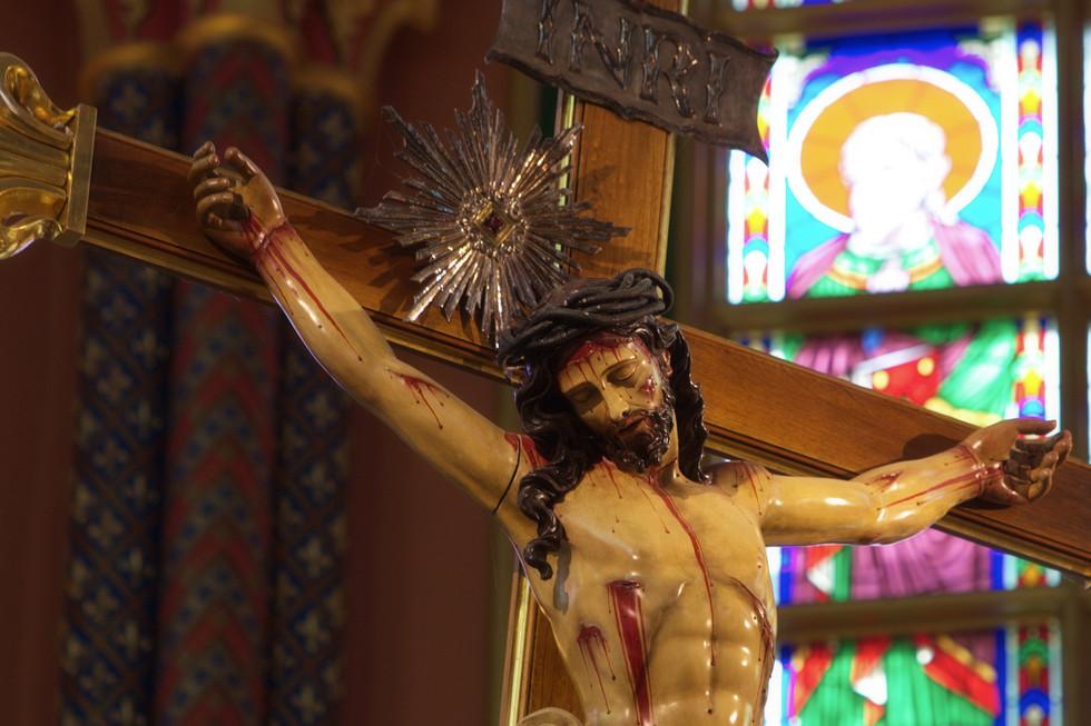 Crucifixo principal da Basílica Nossa Se