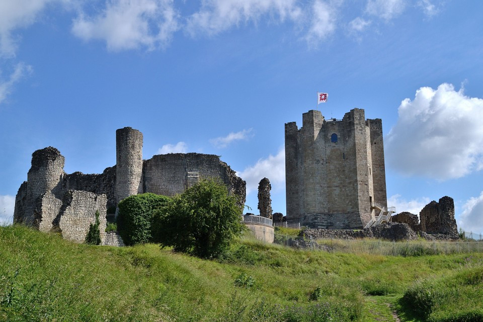 Conisbrough.Castle.640.31111.jpg