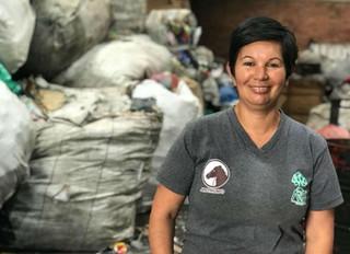 La colombiana que reciclando ganó premio mundial