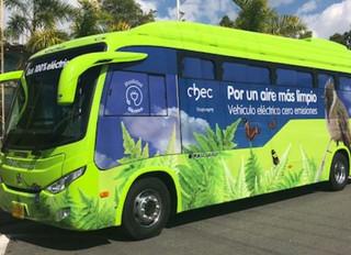El primer bus eléctrico del Eje Cafetero ya rueda en Manizales