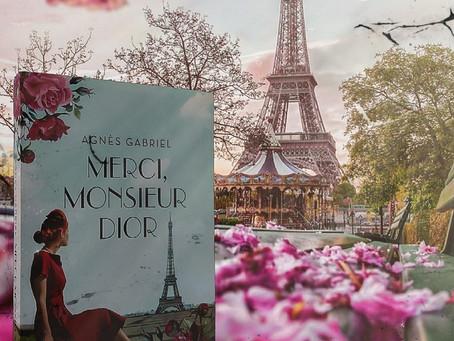 Una deliciosa novela sobre Christian Dior, el hombre que redefinió la elegancia femenina.